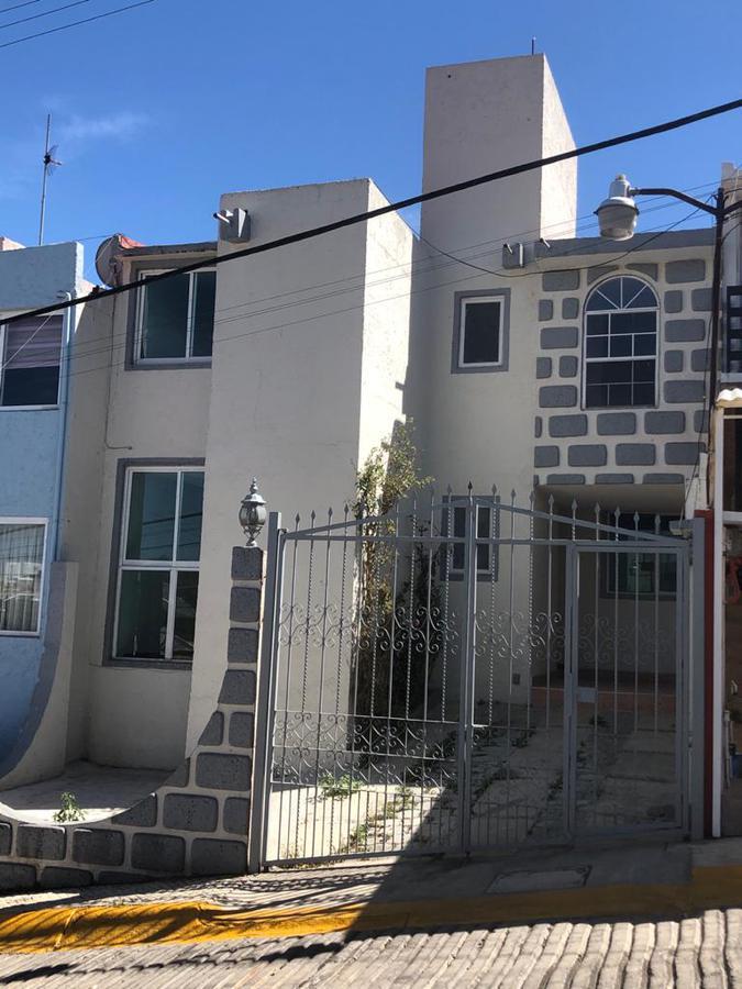 Foto Casa en condominio en Renta en  Atizapán de Zaragoza ,  Edo. de México  Av.  Adolfo Ruiz Cortínez #8,EDF. Sección 5, casa 19,  Fraccionamiento San José II, Atizapán de Zaragoza, C.P. al 52900