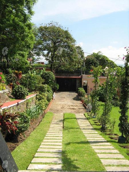 Foto Casa en Venta | Renta en  Fraccionamiento Jardines de Delicias,  Cuernavaca  VENTA Y RENTA RESIDENCIA CON VISTA PANORÁMICA EN CUERNAVACA - V85
