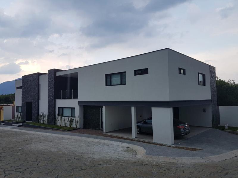Foto Casa en Venta en  Santiago ,  Nuevo León          CASA EN VENTA EL PUEBLITO DE SANTIAGO CARRETERA  NACIONAL  $8,700,000