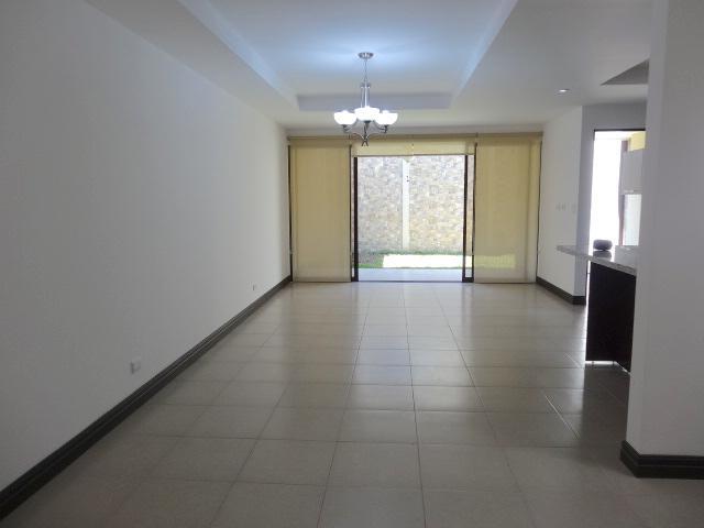 Foto Casa en condominio en Venta | Renta en  Santa Ana ,  San José  Santa Ana/ Cerca a City Place/ Piscina/ Tenis/ Gimnasio