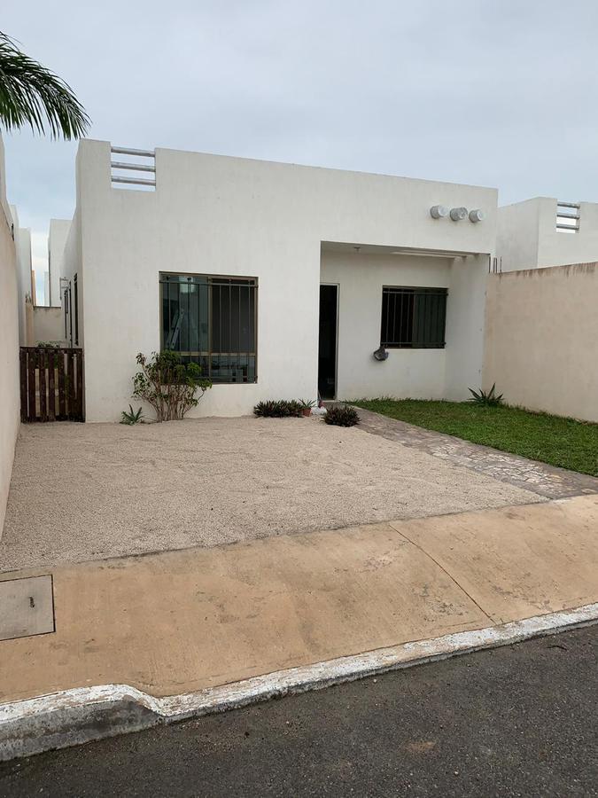 Foto Casa en Renta en  Fraccionamiento Las Américas,  Mérida  En renta casa semiamueblada en el Fracc. Las Américas al norte de Mérida, Yuc., Méx.