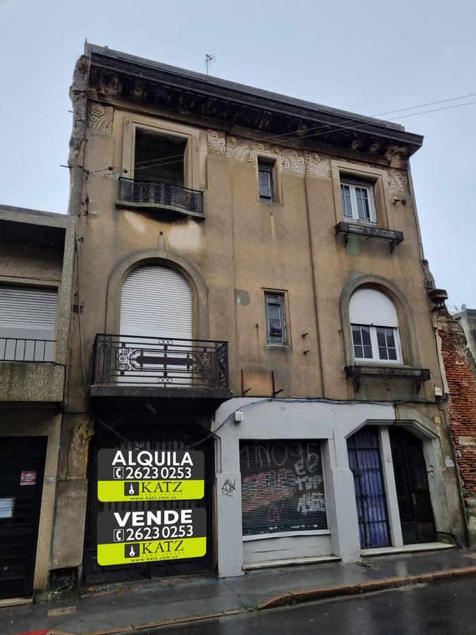 Foto Casa en Alquiler en  Ciudad Vieja ,  Montevideo  Buenos Aires esq Colon