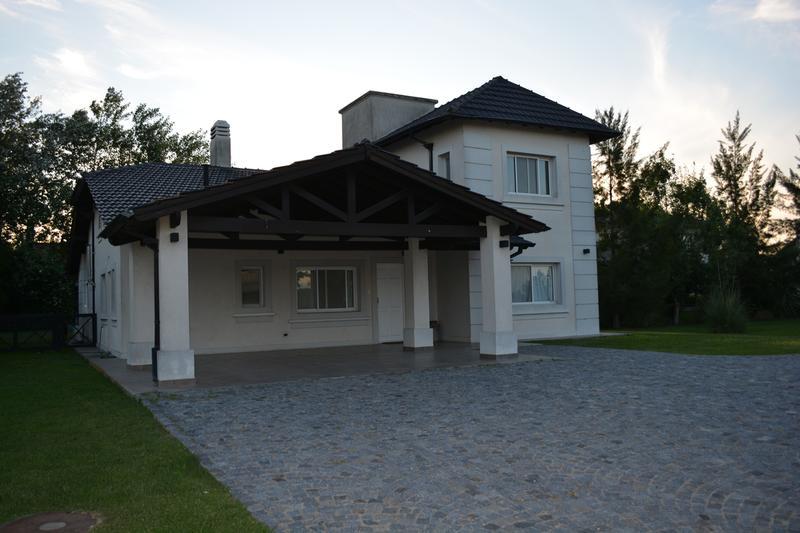 Foto Casa en Venta en  San Eliseo Golf & Country,  Countries/B.Cerrado (San Vicente)  Venta - Casa en San Eliseo - Canning