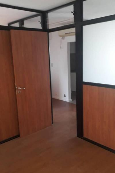 Foto Oficina en Alquiler en  Centro,  Rosario  Montevideo al 2400