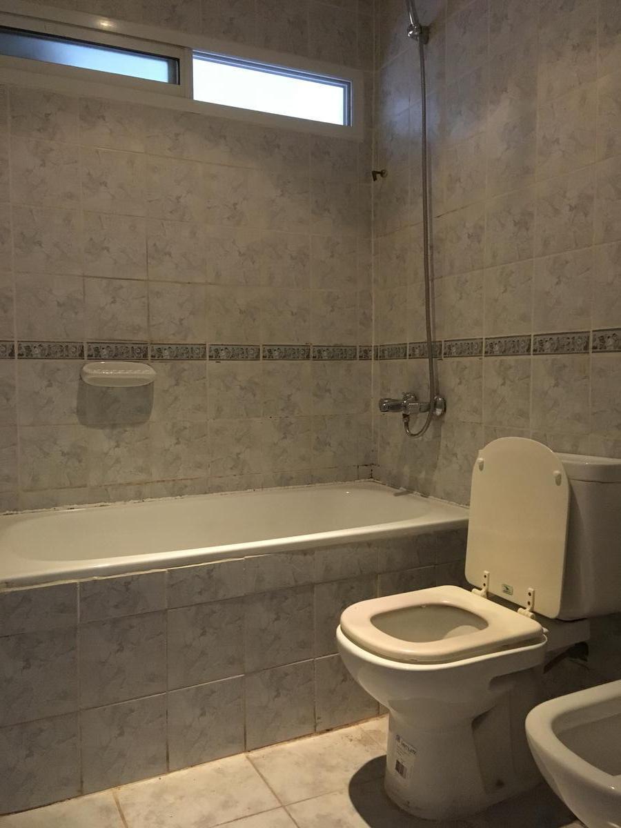 Foto Casa en Venta en  Cipolletti,  General Roca  Balcarce 380, cipolletti