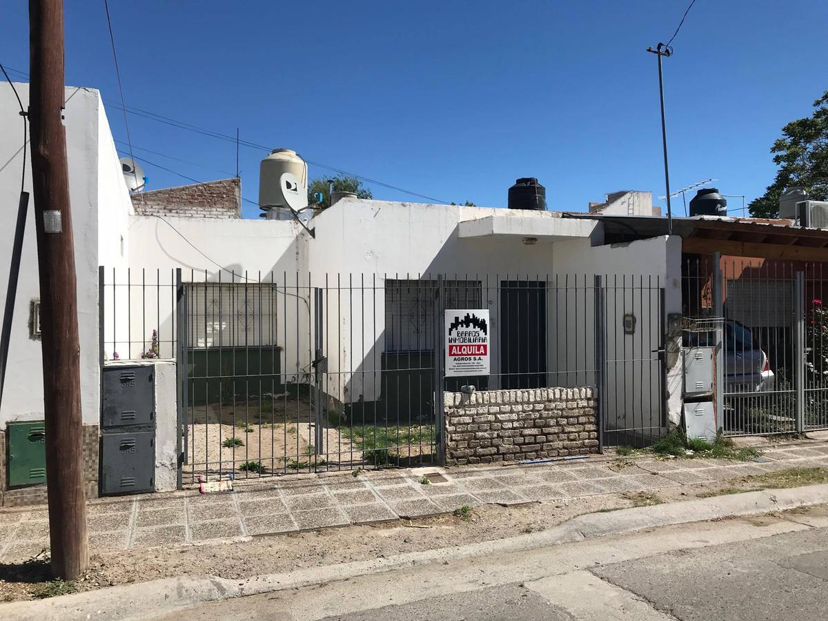 Foto Casa en Alquiler en  Villa María,  Capital  CURRILIPI al 100