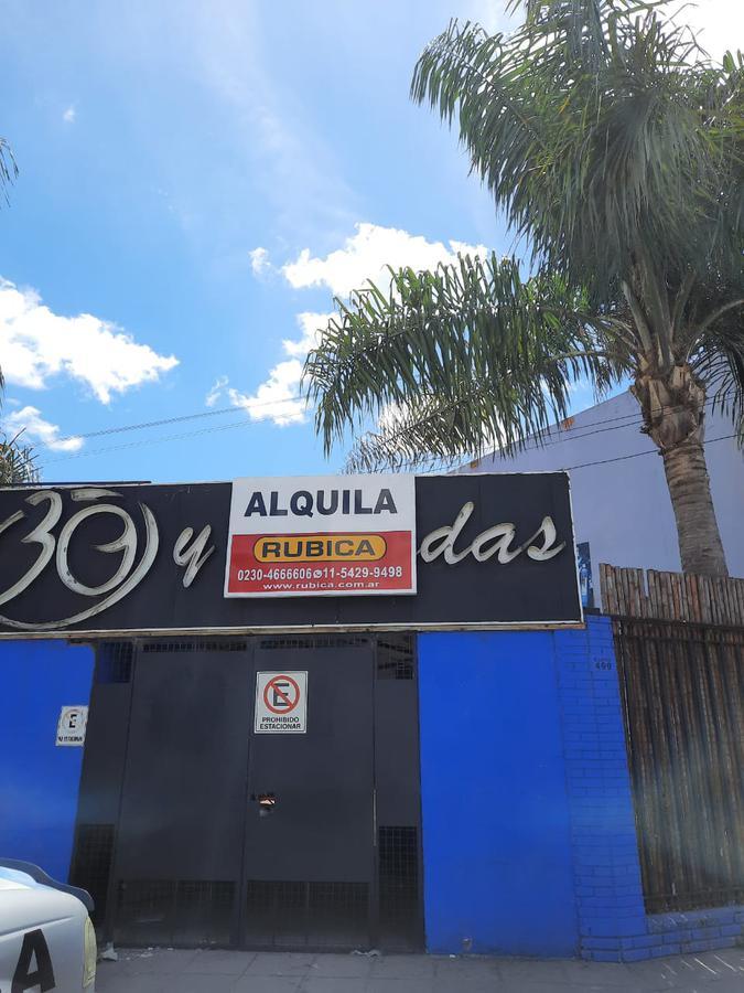 Foto Local en Alquiler en  Pilar ,  G.B.A. Zona Norte  Ruta 8 esquina Ituzaingo - PILAR Centro