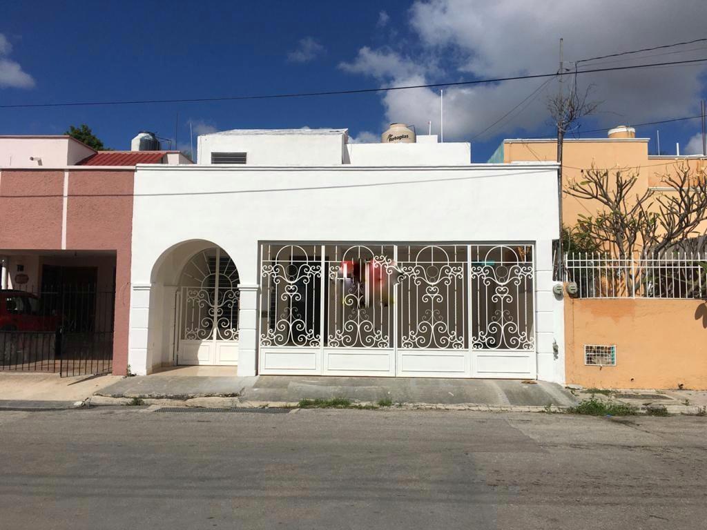 Foto Casa en Venta en  Chuburna de Hidalgo,  Mérida  Casa en venta, en Col.  Chuburna