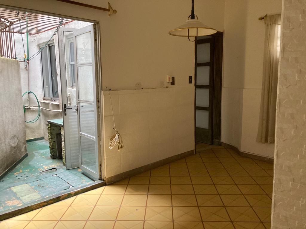 Foto Apartamento en Venta en  Cordón ,  Montevideo  Eduardo Acevdeo y Rodó - PB -1 dorm con patio