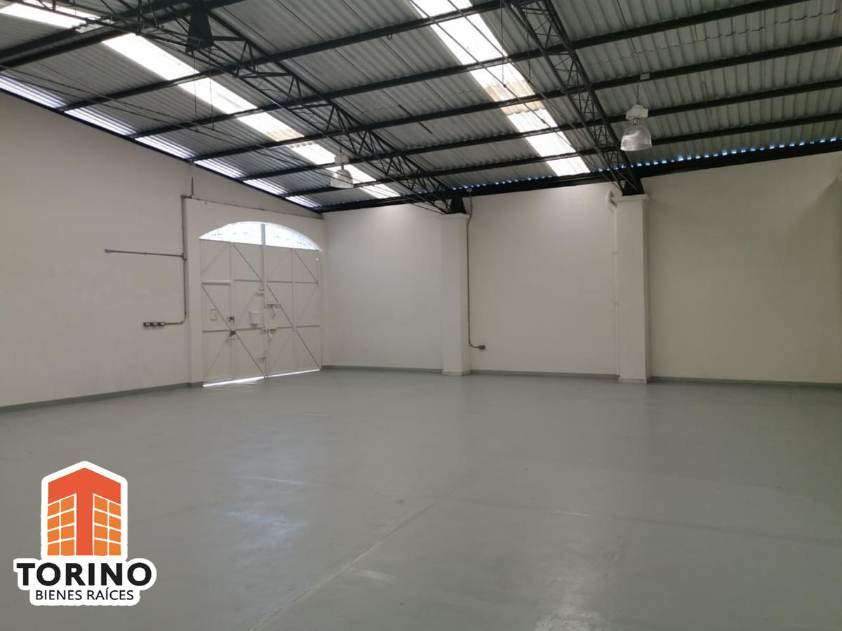 Foto Bodega Industrial en Renta en  Felipe Carrillo Puerto,  Xalapa  OFICINA CON GRAN ESPACIO DE BODEGA COL. FELIPE CARRILLO PUERTO