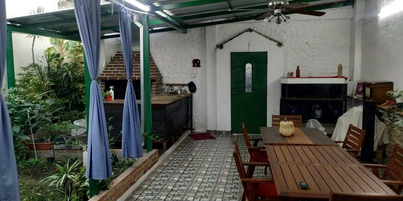Foto Casa en Venta en  Valentin Alsina,  Lanús  SENADOR QUINDIMIL al 4500