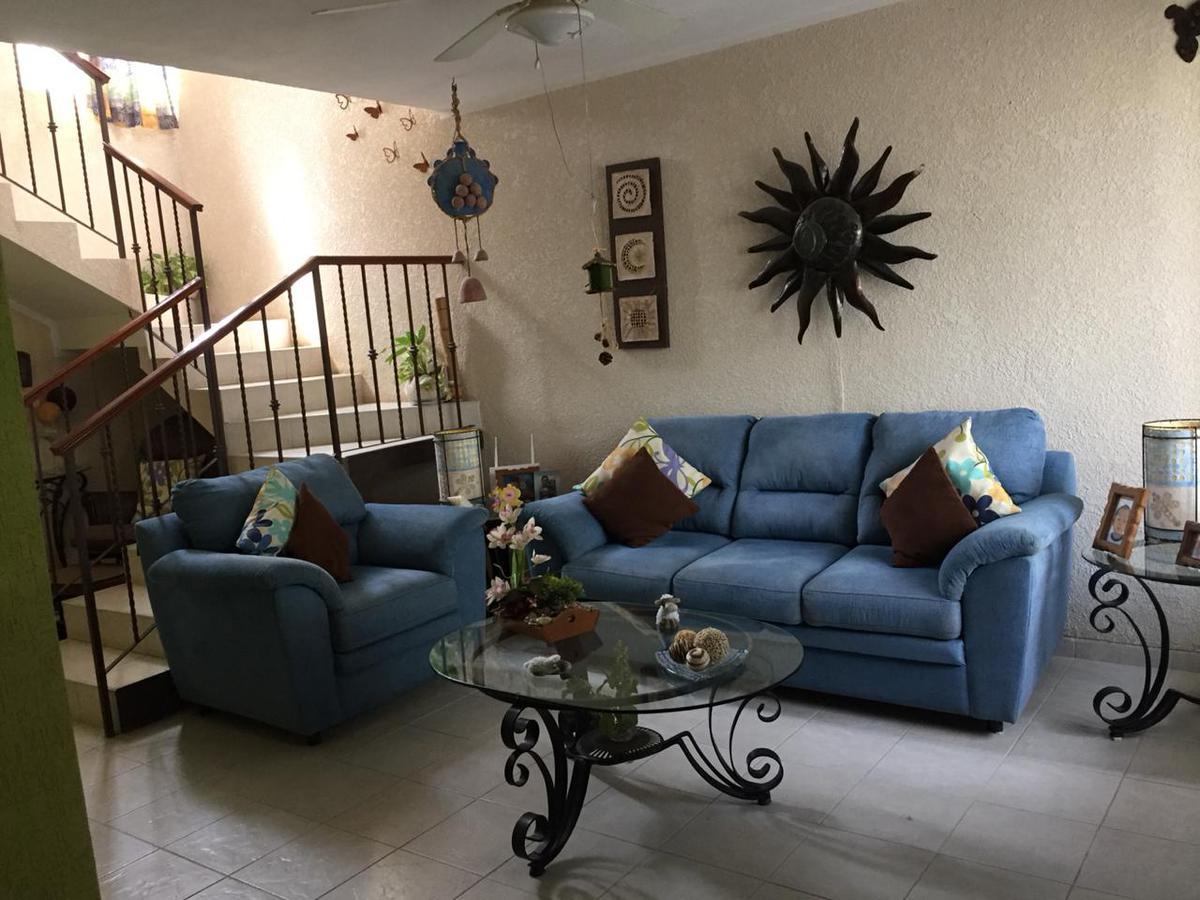 Foto Casa en Venta en  Fraccionamiento Jardines Del Norte,  Mérida  En venta casa en Jardines del Norte cerca de Altabrisa, al norte de Mérida, Yuc., Méx.
