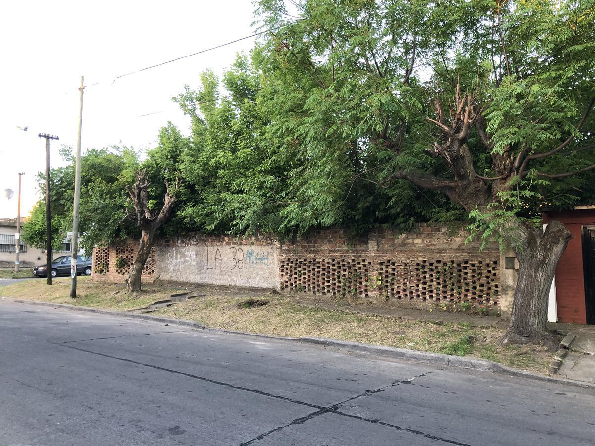 Foto Terreno en Venta en  Quilmes ,  G.B.A. Zona Sur  San Martin 1550 esquina Juan Manuel Delgado
