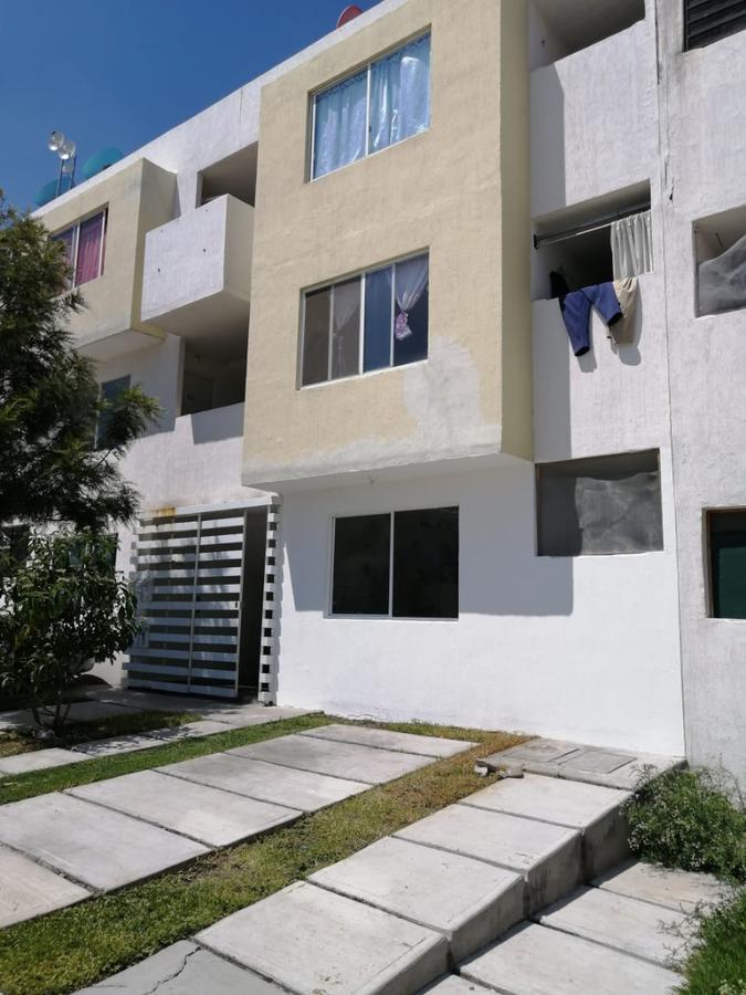 Foto Casa en Venta en  Fraccionamiento Fuentes de Balvanera,  Apaseo el Grande  DEPARTAMENTO EN  VILLAS DEL REY