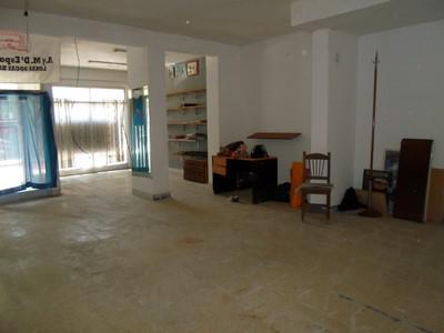 Foto Local en Alquiler |  en  Boca ,  Capital Federal  Almirante Brown al 1400