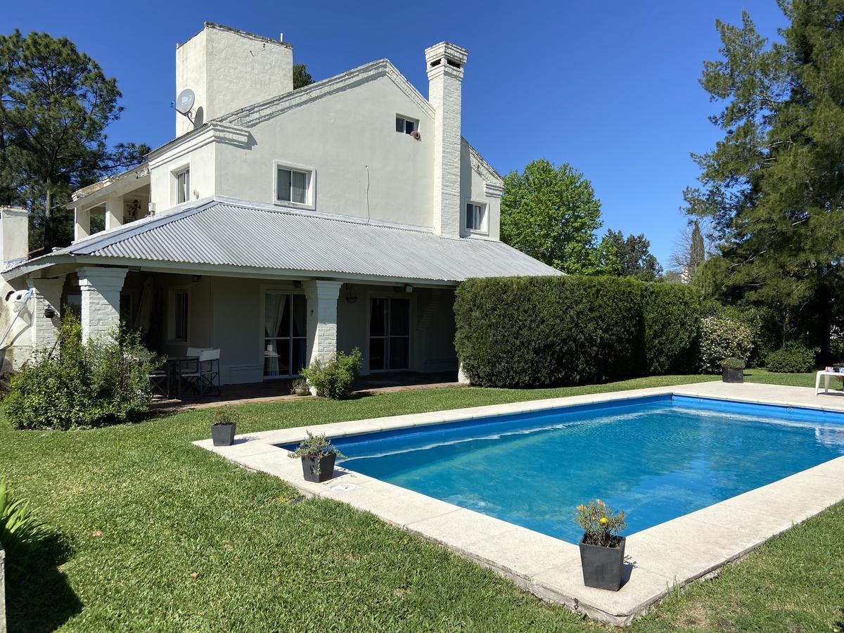 Foto Casa en Alquiler en  Countries/B.Cerrado (Pilar),  Pilar  Casa de 3 dorm en Larena Country Club