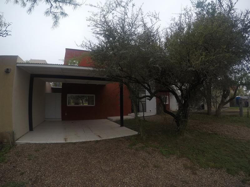 Foto Casa en Venta en  Villa Catalina,  Rio Ceballos  E53