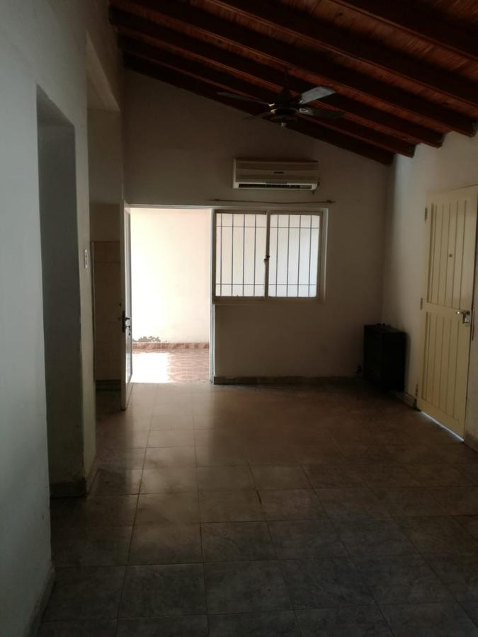 Foto Casa en Alquiler en  Desamparados,  Capital  Olegario Andrade al 300