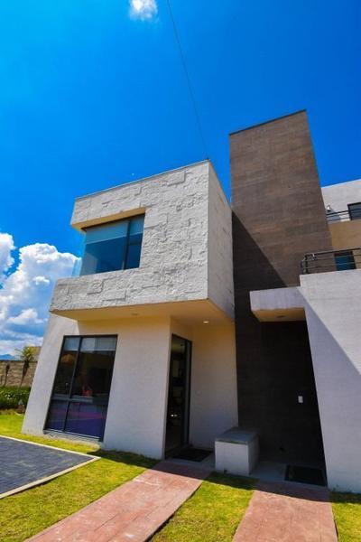 Foto Casa en condominio en Venta en  Villas del Campo,  Calimaya  CASA EN VENTA EN VILLAS DEL CAMPO, CALIMAYA,  ESTADO  DE MÉXICO