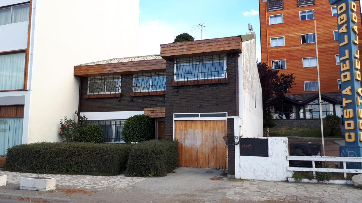 Foto Casa en Venta en  Centro,  San Carlos De Bariloche  12 de Octubre al 900