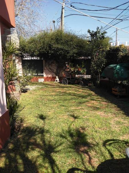 Foto Casa en Venta en  Acassuso,  San Isidro  BERUTI al 1200 esq. Libertad