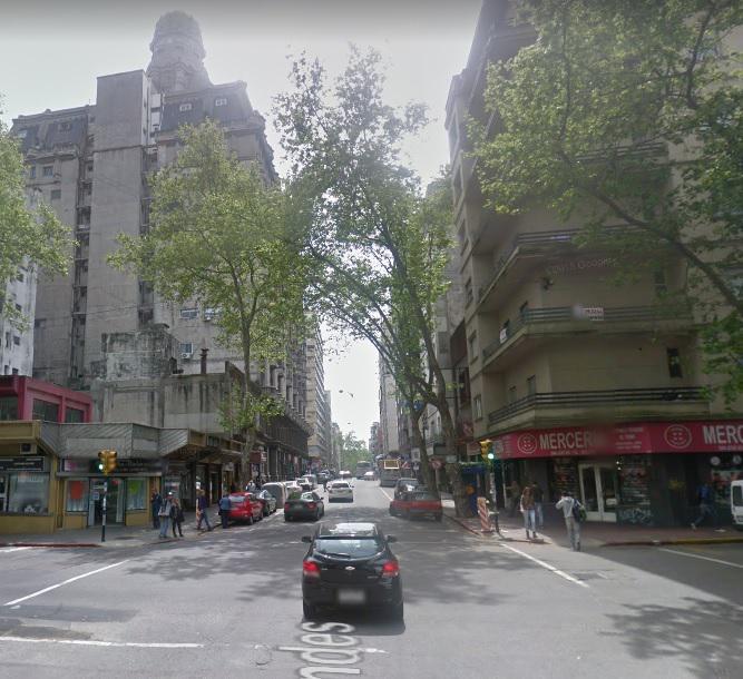 Foto Oficina en Venta en  Centro (Montevideo),  Montevideo  Andes al 1200