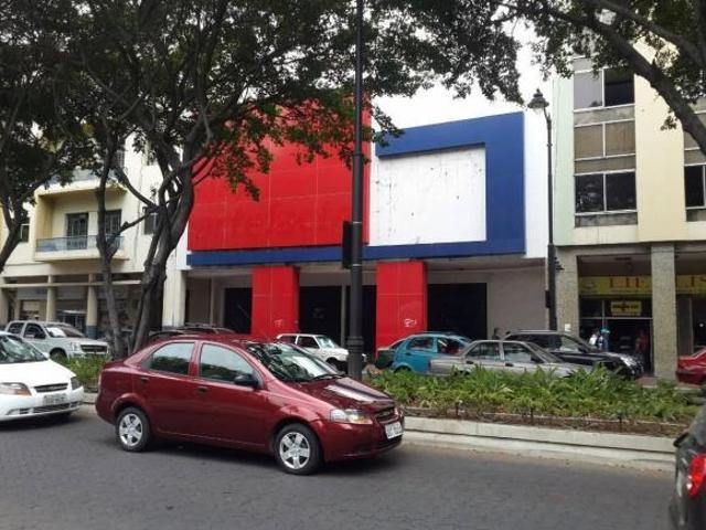 Foto Edificio Comercial en Venta en  Centro de Guayaquil,  Guayaquil  Vendo edificio en la Zona de Parque Centenario en Guayaquil