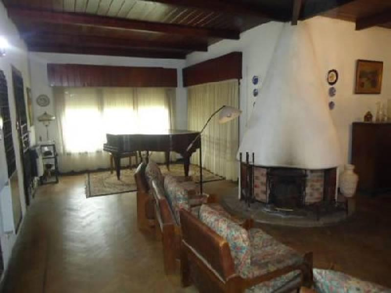 Foto Casa en Venta en  Villa Gesell ,  Interior Buenos Aires  Villa Gessel  Avenida 6  entre al 100