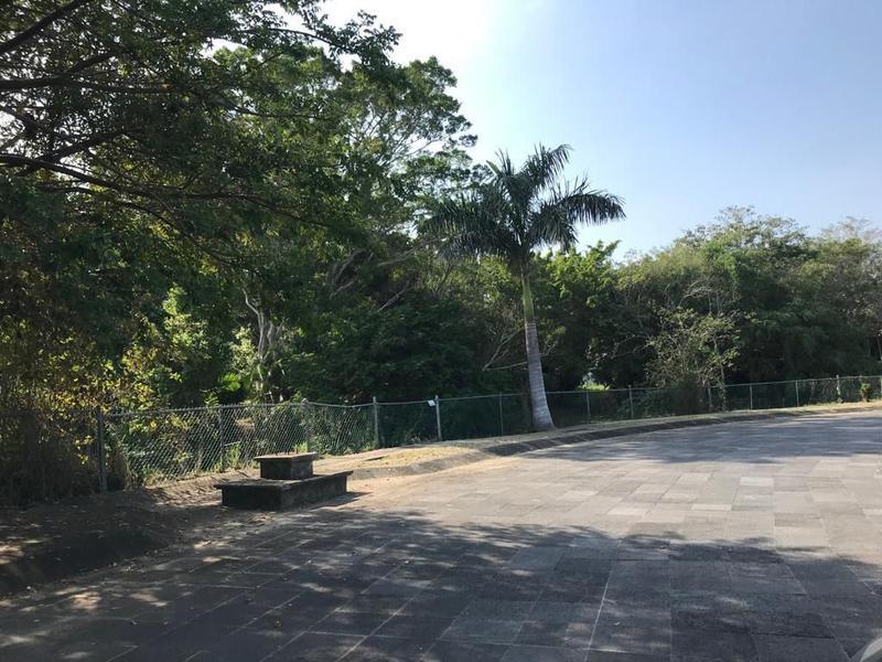 Foto Terreno en Venta en  Fraccionamiento Residencial Lagunas de Miralta,  Altamira  RTV3215-285 Calzada de Champayan Terreno