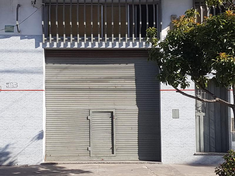 Foto Local en Alquiler en  Lanús Oeste,  Lanús  Boquerón al 3300