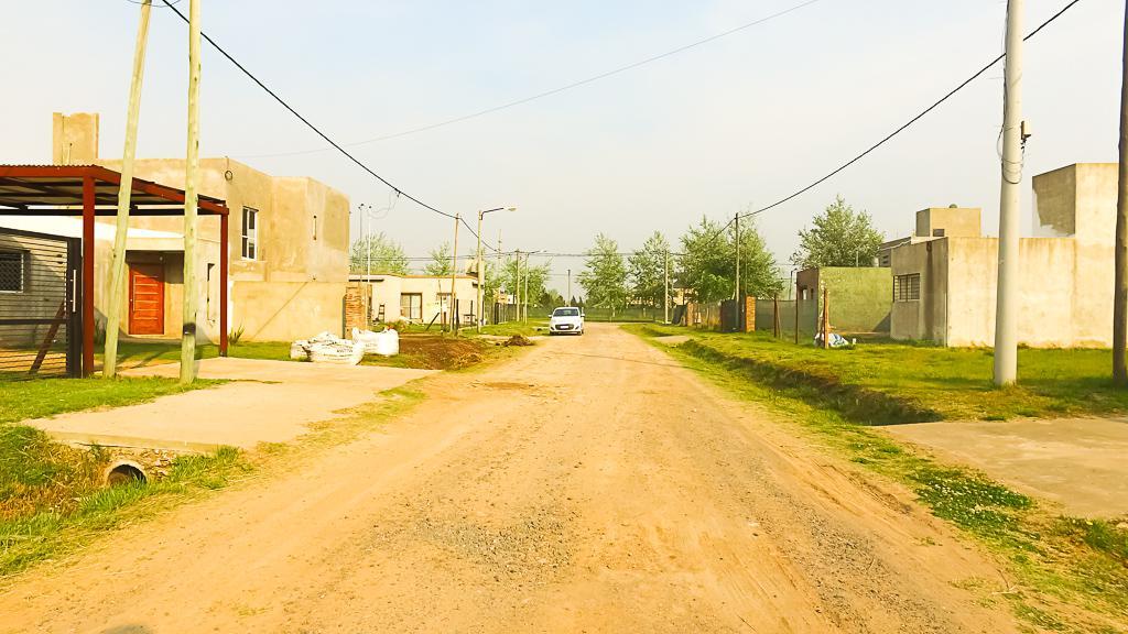 Foto Casa en Venta en  Roldan,  San Lorenzo  Eva Perón y Armstrong · Tierra de Sueños 3