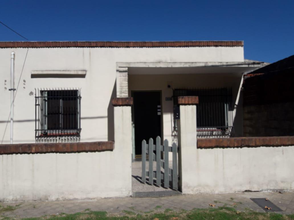 Foto Casa en Venta en  Belgrano,  Rosario  PERU al 1200