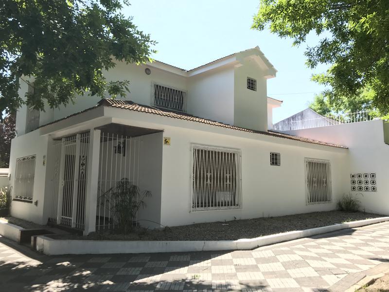 Foto Casa en Venta | Alquiler en  Monte Grande,  Esteban Echeverria  Belgrano al 400