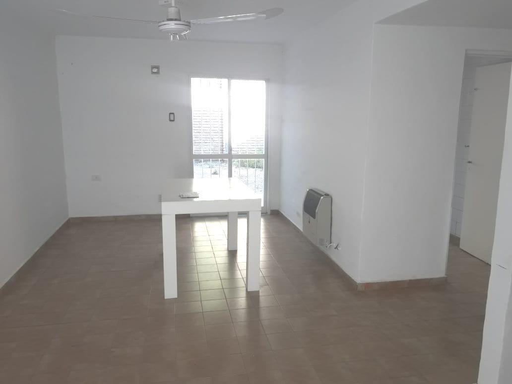 Foto Casa en Venta en  San Fernando,  Cordoba  San Fernando - Valparaiso al 3800