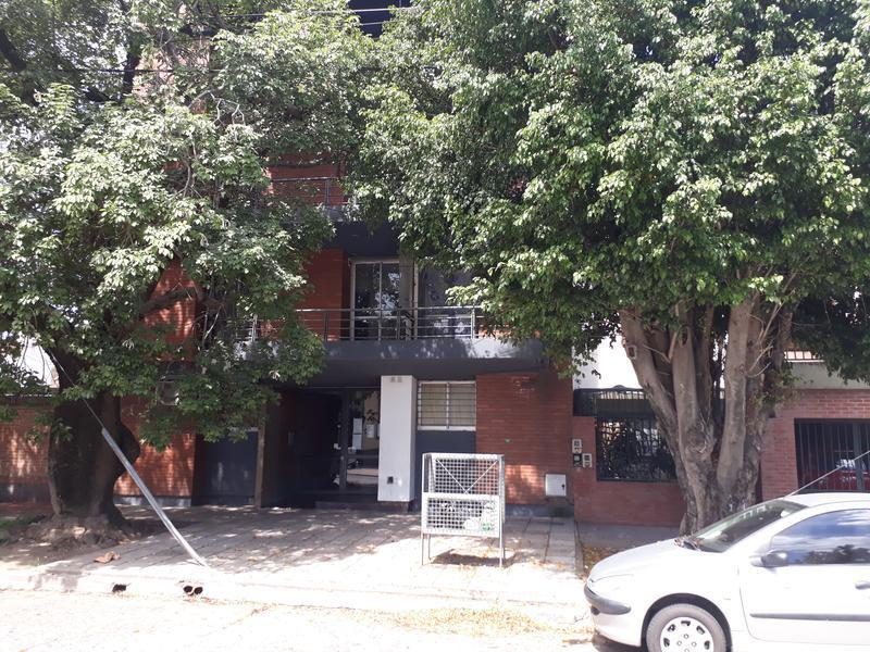Foto Departamento en Alquiler en  San Miguel De Tucumán,  Capital  Pellegrini  al 300