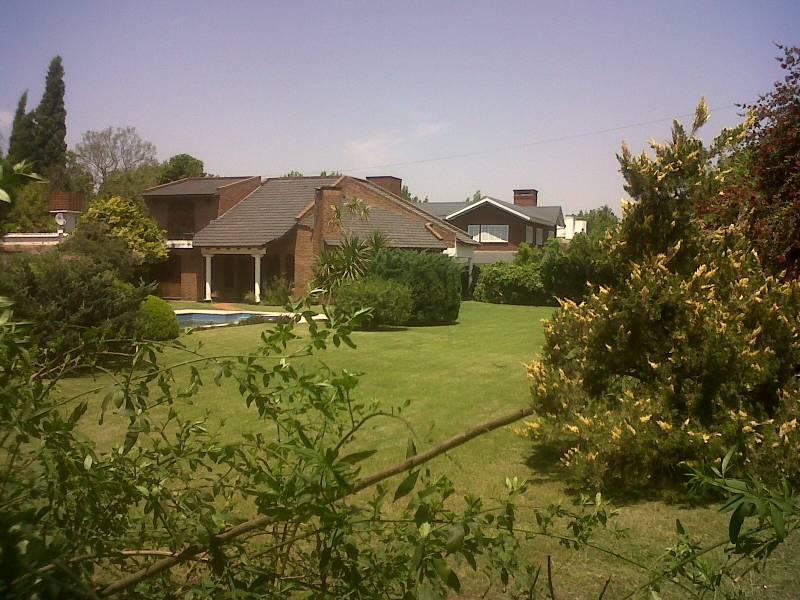Foto Casa en Venta en  Roldán ,  Santa Fe  Pillahuinco al 200