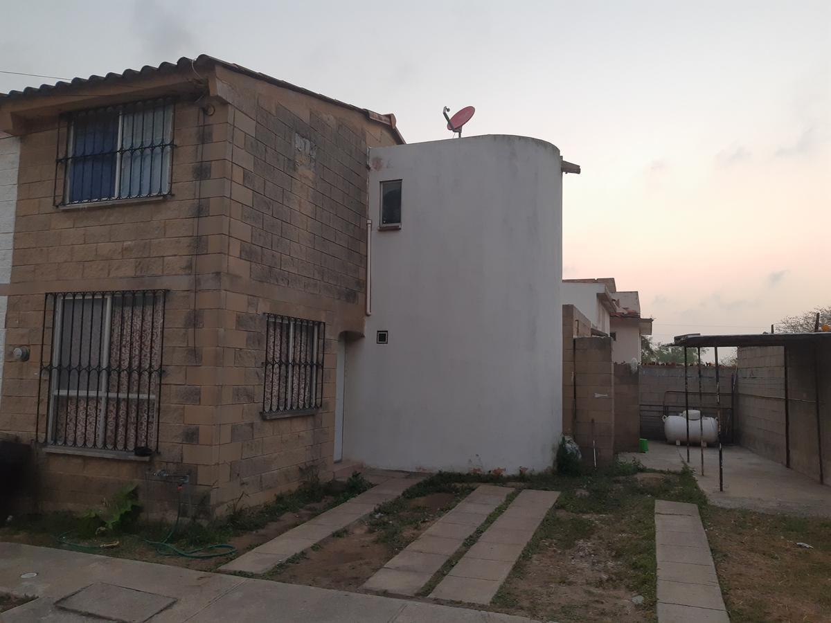Foto Casa en Venta en  Cumbres de Vista Bella,  Tampico  SE VENDE MUY BONITA CASA FRACCIONAMIENTO CUMBRES DE VISTA BELLA