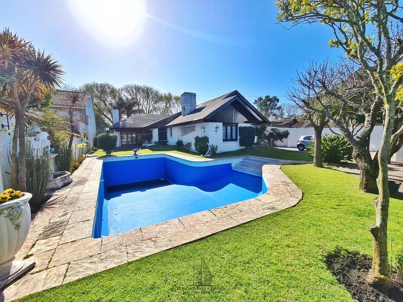 Foto Casa en Venta en  P.Luro,  Mar Del Plata  Pasteur al 400