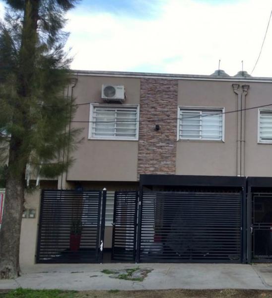 Foto Casa en Venta en  Canning (Ezeiza),  Ezeiza  Duplex en venta Canning  - A 3 cuadras de Las Toscas