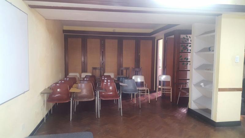 Foto Local en Alquiler en  La Plata ,  G.B.A. Zona Sur  12 entre 49 y 50