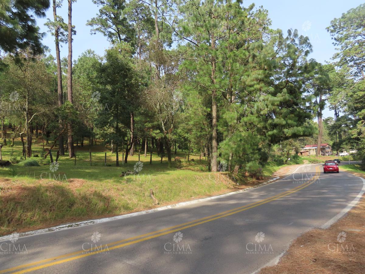 Foto Terreno en Venta en  Pueblo 3 Marías o 3 Cumbres,  Huitzilac   Venta Terreno sobre Carretera Federal Huitzilac Morelos - T39