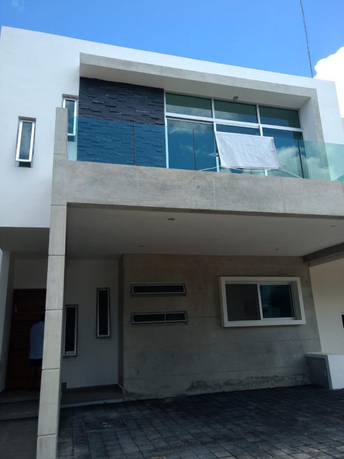 Foto Casa en Venta en  Arbolada,  Cancún  CASA EN VENTA EN CANCUN EN AVENIDA HUAYACÁN EN RESIDENCIAL ARBOLADA BY CUMBRES C22