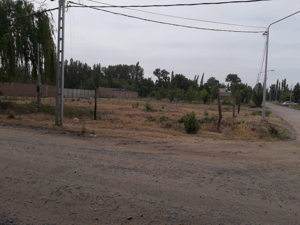 Foto Terreno en Venta en  Capital ,  Neuquen  Obrero Argentino y chocon