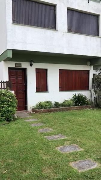 Foto Departamento en Venta en  Villa Gesell,  Villa Gesell  Av, 2 y paseo al 100