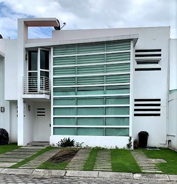 Foto Casa en condominio en Renta en  Bellavista,  Metepec  RENTA DE CASA CON AMPLIOS ESPACIOS Y EXCELENTE UBICACION  EN METEPEC