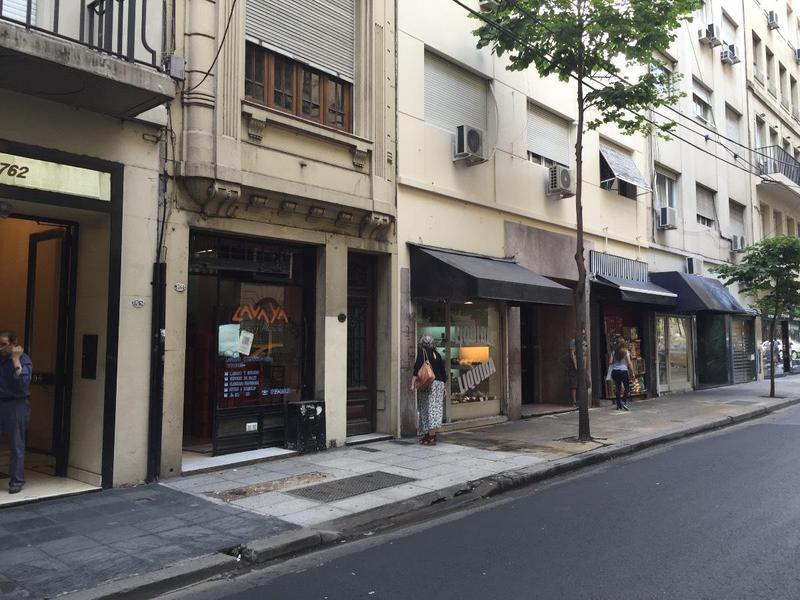 Foto Local en Alquiler en  Recoleta ,  Capital Federal  Vicente Lopez 1700