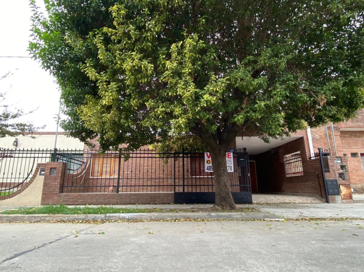 Foto Casa en Venta en  Parque Atlantica,  Cordoba Capital  Parque Atlántica - Casa 3 dormitorios - Gran Patio