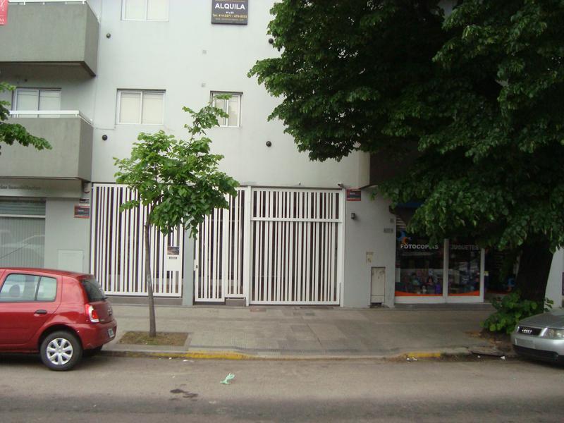 Foto Departamento en Alquiler en  La Plata ,  G.B.A. Zona Sur  7 entre 32 y 33