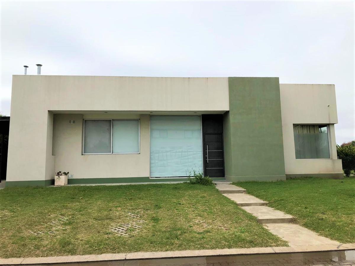 Foto Casa en Alquiler en  Miraflores,  Funes  AV. FUERZA AÉREA 4204