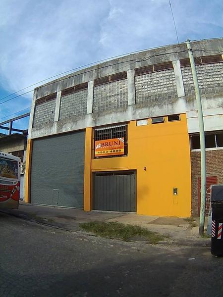 Foto Galpón en Venta en  Parque Chacabuco ,  Capital Federal  Lanza al 2300